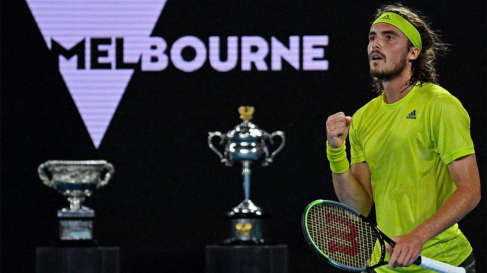 Τεράστιος Τσιτσιπάς: Κέρδισε 3-2 σετ τον Ναδάλ με ανατροπή και προκρίθηκε στα ημιτελικά του Australian Open