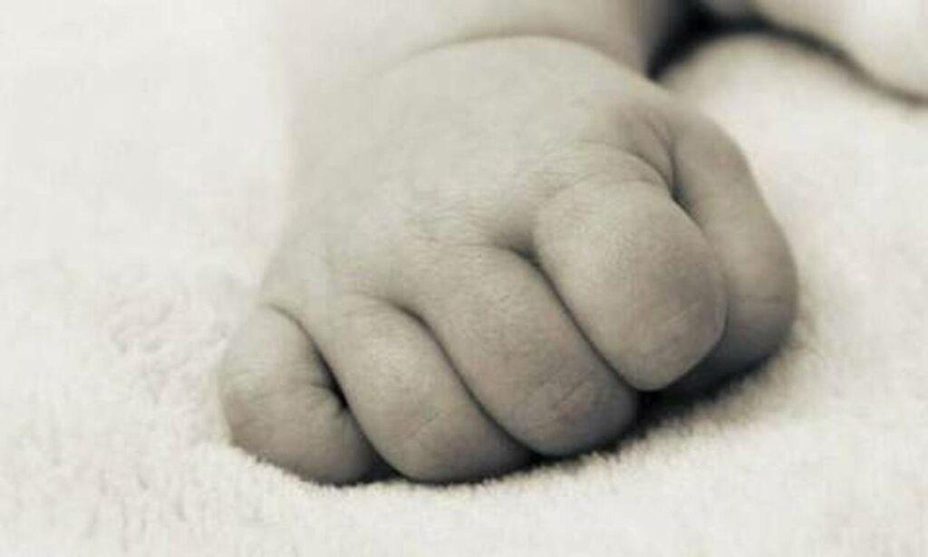 Φρίκη: Μητέρα έπνιξε το μόλις 8 μηνών παιδί της