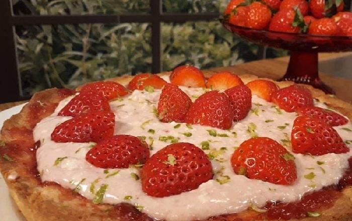 Τάρτα με γλυκιά μυζήθρα και φράουλες από την Εύα Παρακεντάκη!