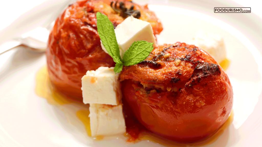 Ντομάτες γεμιστές με κινόα και φαγόπυρο