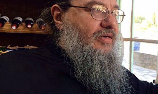Δε φαντάζεστε ποιο πασίγνωστο πρόσωπο είναι ο αγιορείτης μοναχός Προκόπιος- Βίντεο