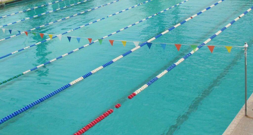 Ποιος  είναι ο 74χρονος παράγοντας της κολύμβησης που κακοποιούσε σεξουαλικά δύο 10χρονα κορίτσια