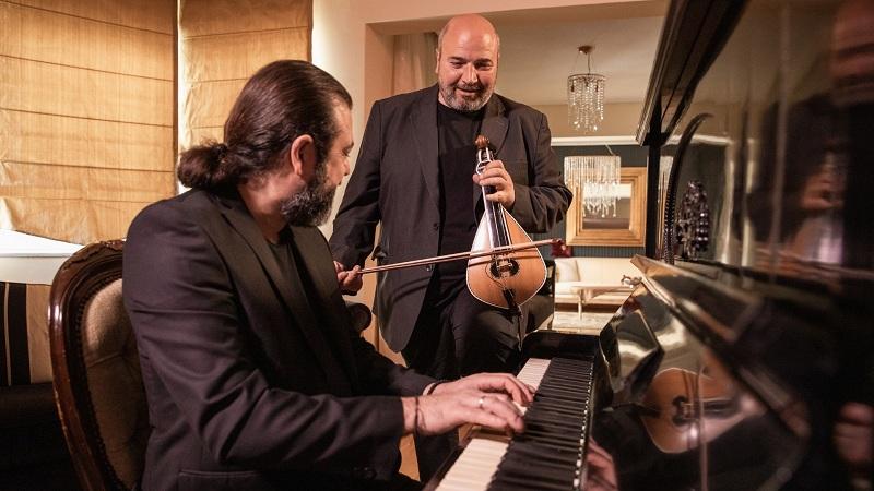 «Για'κείνη»: Το νέο τραγούδι του Νίκου Ζωϊδάκη με την υπογραφή του Κυριάκου Παπαδόπουλου