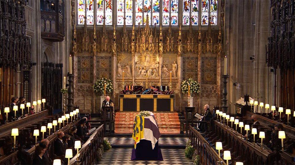 Κηδεία πρίγκιπα Φίλιππου: Συγκίνηση στο παρεκκλήσι του Αγίου Γεωργίου