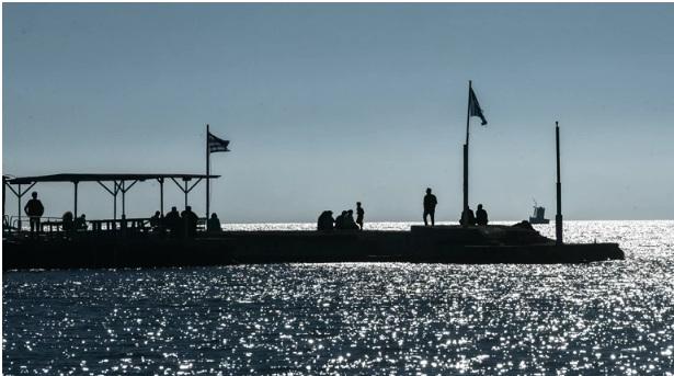 Θρίλερ στον Άλιμο: Σορός γυναίκας ανασύρθηκε από τη θάλασσα – Βρέθηκε φορώντας τα ρούχα της