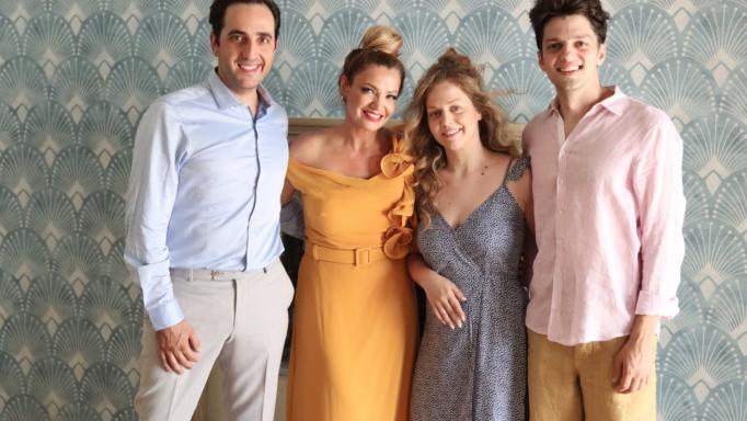 «Άσε μας ρε μαμά»: Όσα θα δούμε στη  νέα οικογενειακή κωμική σειρά  του Alpha