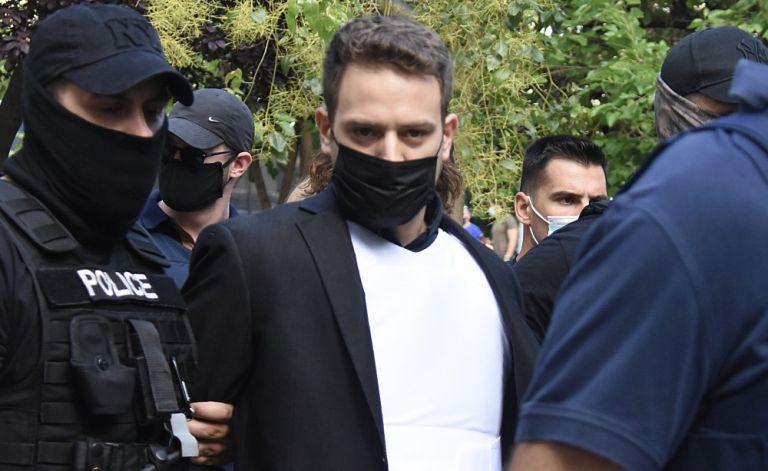 Μπάμπης Αναγνωστόπουλος: Από τη μεζονέτα των Γλυκών Νερών στο κελί των 12 τετραγωνικών- «Αστειάκια» στους σωφρονιστικούς