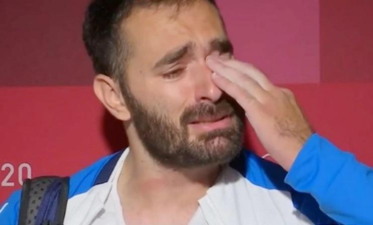 Σεισμό προκάλεσαν τα δάκρυα Ιακωβίδη – Πύρρος Δήμας: Είναι ντροπή για την άρση βαρών – Κινητοποίηση στα social media για να βρεθούν χορηγοί