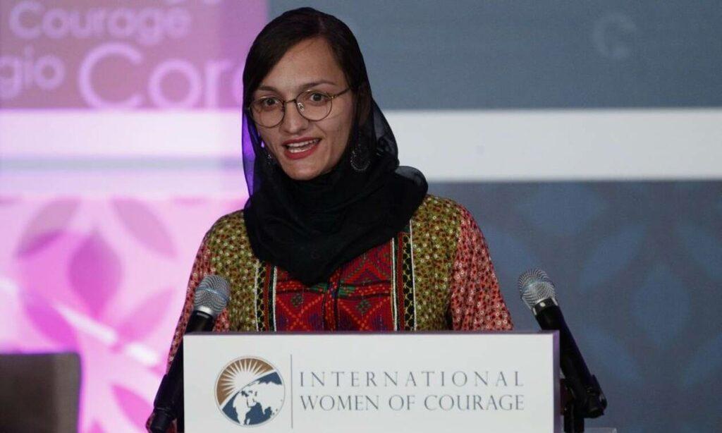 Αφγανιστάν: Συγκλονίζει η πρώτη γυναίκα δήμαρχος – «Περιμένω να με σκοτώσουν οι Ταλιμπάν»