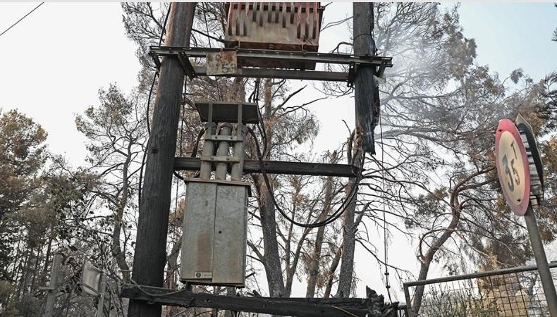 Φωτιά στη Βαρυμπόμπη: Πώς ξεκίνησαν όλα – «Έσκασε» μετασχηματιστής υψηλής τάσης, λένε οι πρώτες εκτιμήσεις