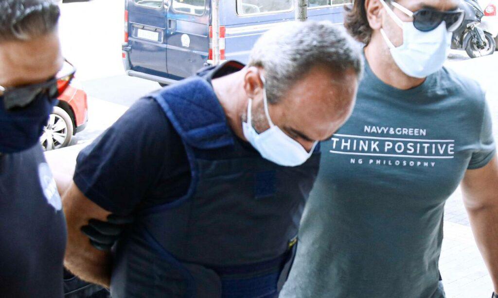 Θεσσαλονίκη: Τύλιξε τη γάζα στο λαιμό του και αυτοκτόνησε ο Γεωργιανός – Άφησε σημείωμα