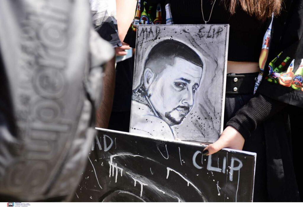 Mad Clip: Ασέβεια! Κατέστρεψαν μνήμα 20χρονης στην κηδεία του τράπερ-Το συγκλονιστικό ξέσπασμα φίλου του