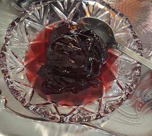 Γλυκό κουταλιού δαμάσκηνο  από την Εύα Παρακεντάκη