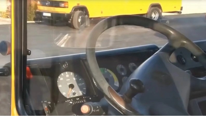 Βάρκιζα: Σε κατάσταση σοκ το κοριτσάκι που «ξέχασαν» μόνο του μέσα σε σχολικό λεωφορείο για 4 ώρες